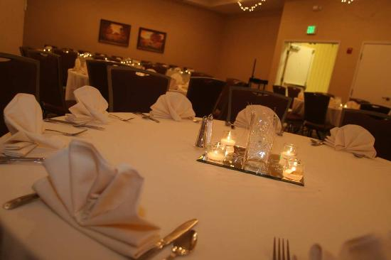 Yakima, WA: Banquet Table