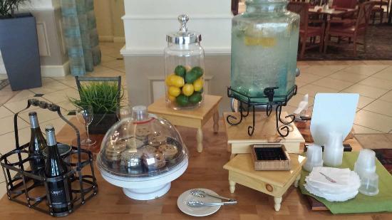 Yakima, WA: Garden Table