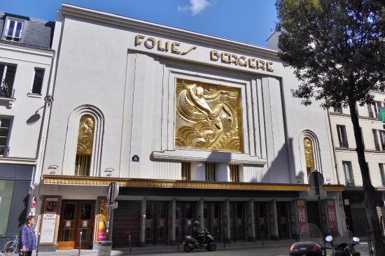 Folies-Bergere: フォリー・ベルジェールの正面