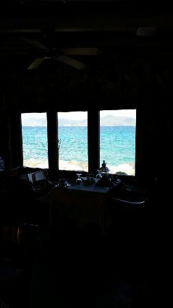 Tradewinds Restaurant @ Peter Island Resort