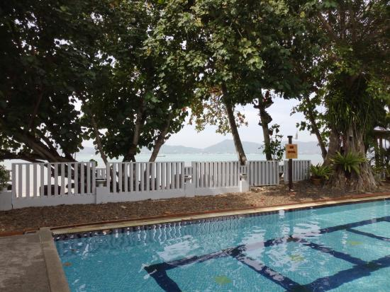 Cape Panwa, Thailand: Amazing views from the pool!