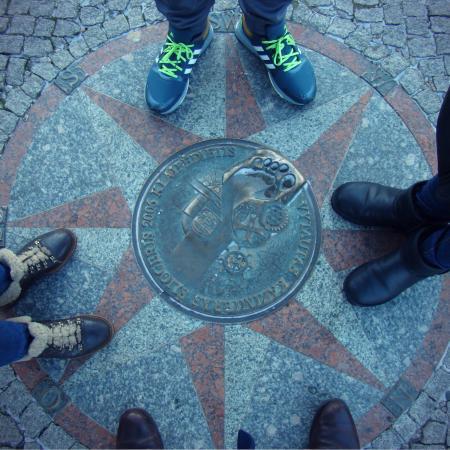 Vytauto Šliogerio atminimo plokštė - pėda