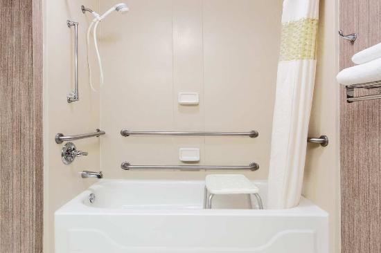 Lake Park, Τζόρτζια: Accessible Bathroom