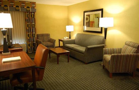 Batesville, IN: Suite Living Room