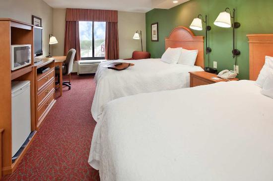 Norfolk, NE: Two Queens Beds