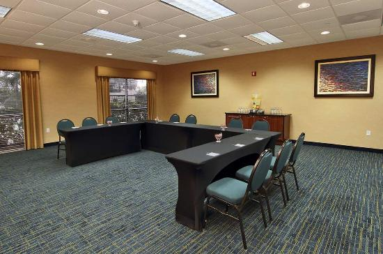 Hampton Inn Cocoa Beach/Cape Canaveral: Meeting Room UShape Seating