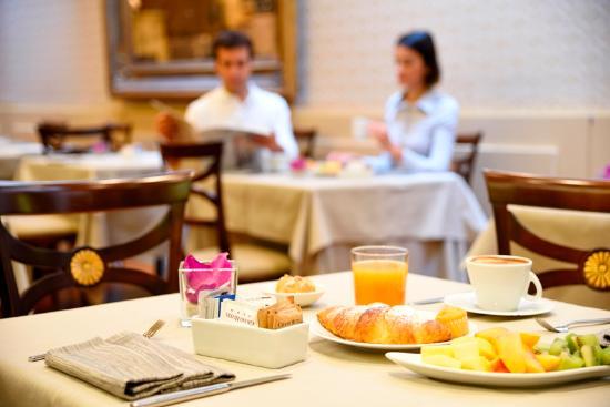 Grand Hotel Verona: sala colazione
