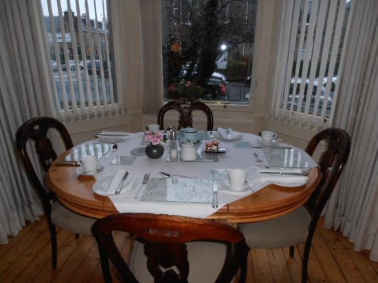 Ard-na-said: Mesa de desayuno