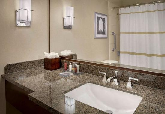 East Elmhurst, Nowy Jork: Guest Bathroom