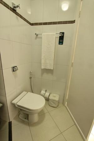 Hotel Atlantico: Banheiro Suíte