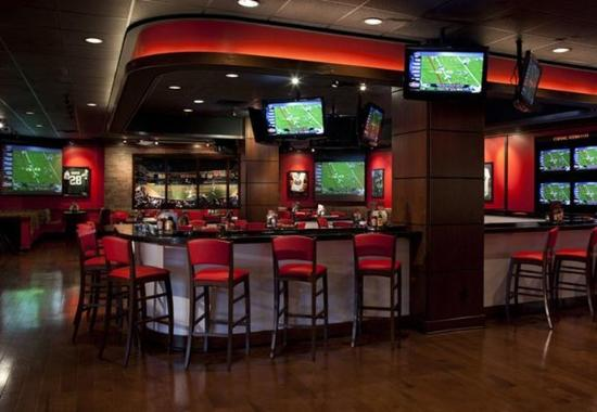 Uniondale, NY: Champions Sports Bar