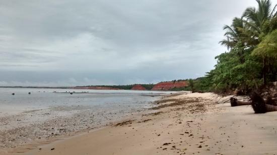 Areia Preta Beach: em primeiro plano Areia preta e mais ao fundo Japara Mirim.