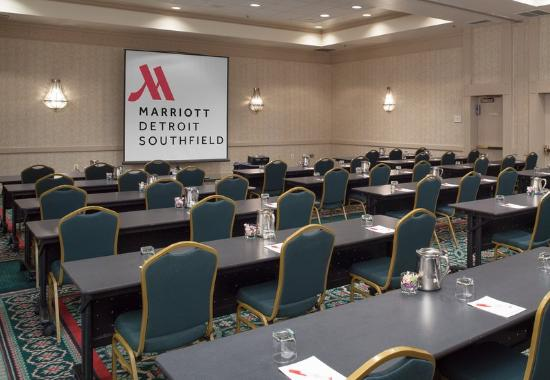 Southfield, MI: Ontario Meeting Room – Classroom Setup