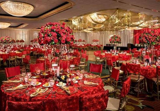 Teaneck, NJ: Ballroom - Social Set-Up