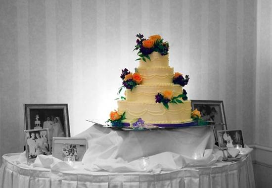 Groton, CT: Wedding Cake