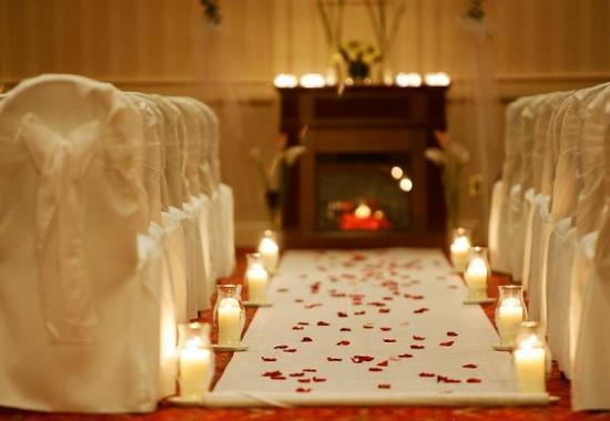Groton, CT: Candlelit Wedding Ceremony