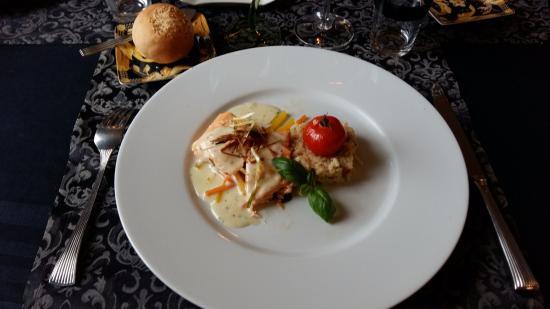 La Louviere, Belgio: saumon avec sauce petits légumes