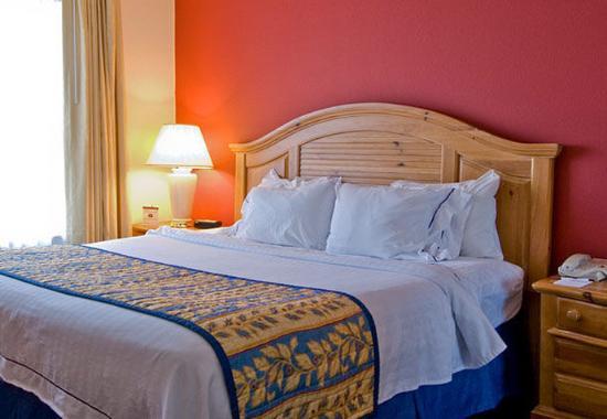 Residence Inn Wilmington Landfall: One-Bedroom Executive Suite - Sleeping Area