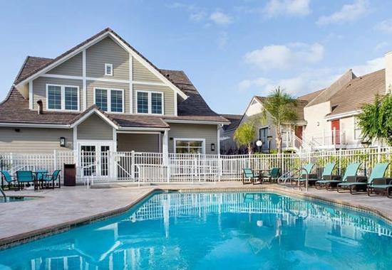 Τόρανς, Καλιφόρνια: Outdoor Pool
