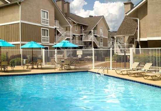 Smyrna, GA: Outdoor Pool