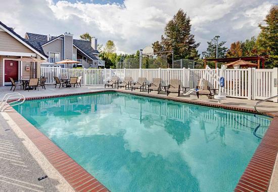 Lynnwood, Waszyngton: Outdoor Pool
