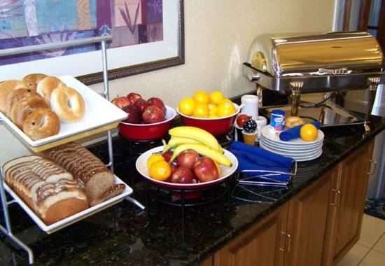 Germantown, TN: Home Touch Breakfast