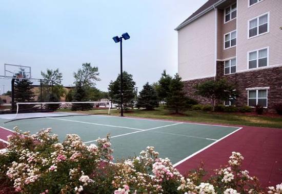 West Des Moines, IA: Sport Court