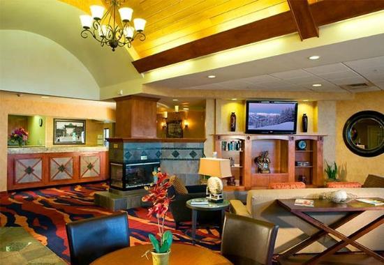 Englewood, Κολοράντο: Gatehouse & Lobby