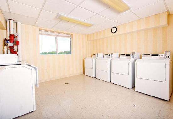 Olathe, KS: Guest Laundry
