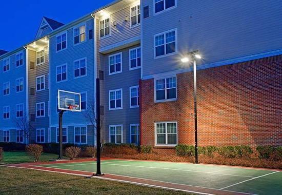 Stanhope, نيو جيرسي: Sport Court