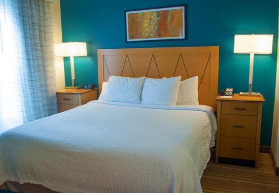 Carlisle, PA: Studio Suite Sleeping Area