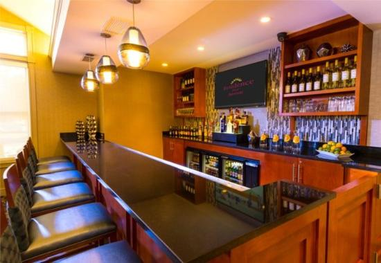 Franklin, MA: Lobby Bar
