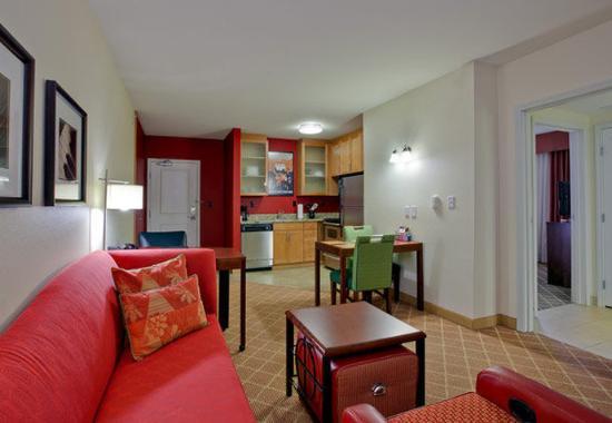 Mishawaka, IN: One-Bedroom Suite