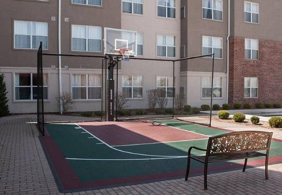 Mishawaka, IN: Sport Court