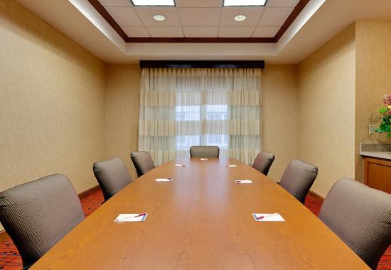 Warrenville, IL : Boardroom