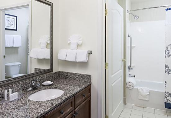 Manassas, VA: Suite Bathroom