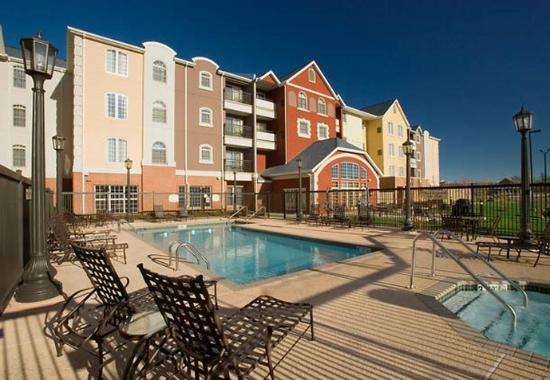 Joplin, MO: Outdoor Pool