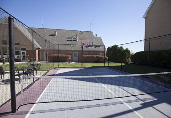 Erlanger, KY: Sport Court