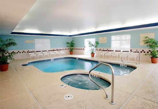 Lebanon, NH : Indoor Pool & Whirlpool