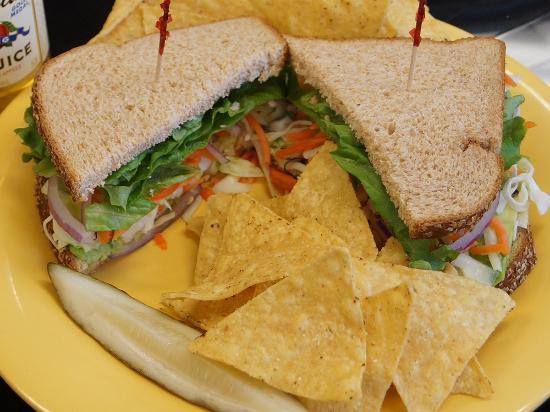 Springfield, Oregón: The Deli Lama Sandwich is one option for vegans