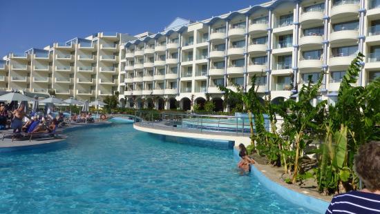 Atrium Platinum Hotel: A