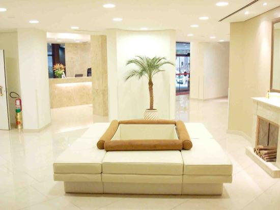 Paulista Wall Street Suites : Lobby