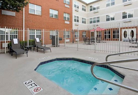 Bedford, TX : Outdoor Spa