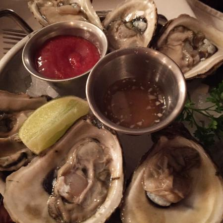 Joe's Stone Crab: Oysters