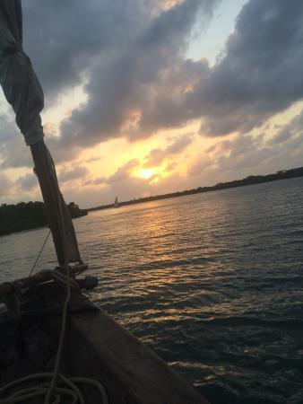 The Majlis Hotel: Sail through the Mangroves