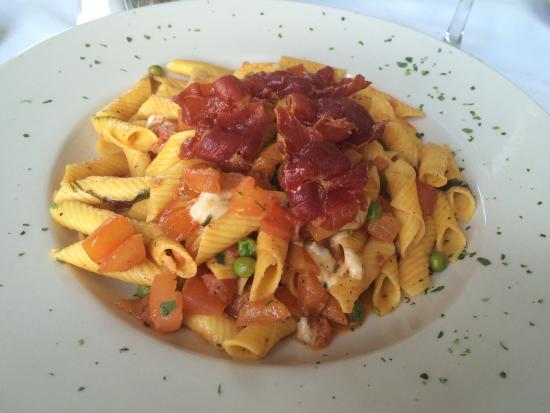 Libertyville, IL: BACON!!!! AND FRESH PENNE