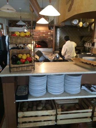 Libertyville, Илинойс: WOOD FIRED OVEN