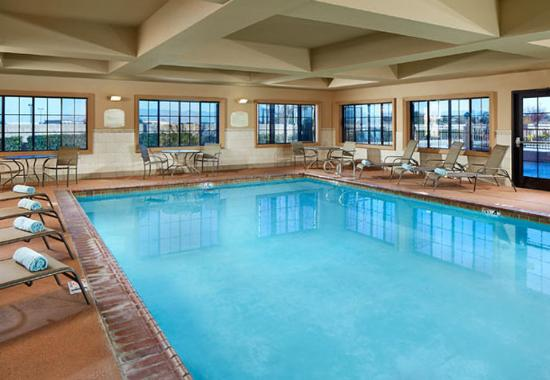 Hesperia, CA: Indoor Pool