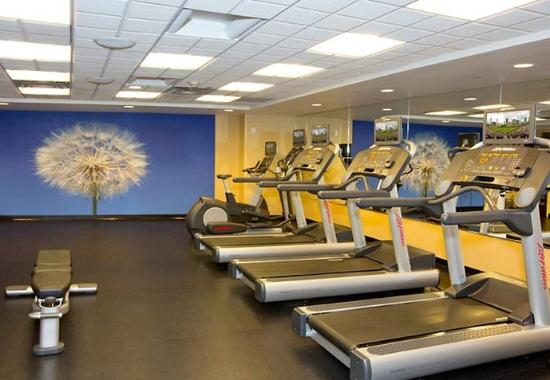 SpringHill Suites North Shore: Fitness Center