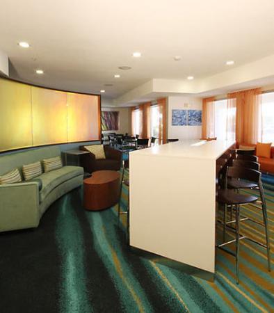 Чандлер, Аризона: Communal Table